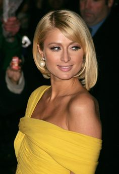 Paris Hilton is one of the trendsetters following unique style bob. In addition to a touch of side bangs, it also applies asymmetric bob haircut. One side is left longer than the other. The result? Amazing. If you do not believe in yourself, use a piece of asymmetry is not too extreme.