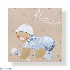 Cuadro infantil personalizado: Bebé con un sonajero (ref. 12003-04)