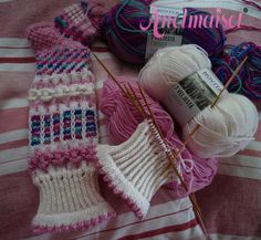 Knitting Projects, Knitting Patterns, Wool Socks, Knitting Socks, Comfy Socks, Christmas Knitting, Knit Or Crochet, Knitted Bags, Flats
