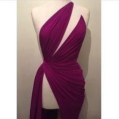 Draping - moulage - Hamda Al Fahim Dance Dresses, Prom Dresses, Formal Dresses, Elegant Dresses, Beautiful Dresses, Ballroom Dress, Schneider, Fashion Sewing, Fashion Details
