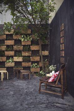 27 Trendy Ideas For Vintage Interior Decorating Gardens Pallet Patio Furniture, Outdoor Furniture Sets, Outdoor Decor, Furniture Ideas, Restaurant Interior Design, Cafe Interior, All Modern Furniture, Vintage Furniture, Outdoor Restaurant