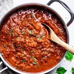 Italian Arrabbiata Sauce – A Simple Palate Arabiatta Sauce Recipe, Pasta Sauce Recipes, Relish Sauce, Pesto, Spicy Pasta, Italian Pasta Recipes, Homemade Tomato Sauce, Chicken Wing Recipes, Vegetarian