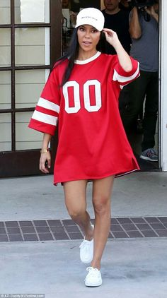 Working: Kourtney Kardashian spent Monday filming scenes for her family's reality show near her home in Calabasas, California, wearing a striking red sports jersey dress Kourtney Kardashian, Estilo Kardashian, Kim And Kourtney, Kardashian Style, Jersey Outfit, Queen Outfit, Mein Style, Oversized Shirt, Teen Fashion