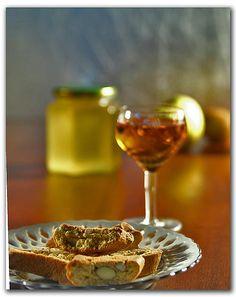 Cantucci e Vin Santo by paPisc, via Flickr