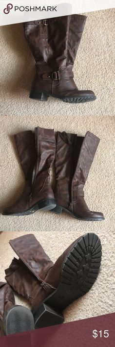 Brown tall boots Brown tall boots barely worn size 7.5 Shoes