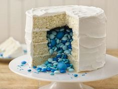 The Recipes Guide: Surprise on the Inside Gender Reveal Cake