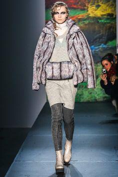 Fall 2013 Ready-to-Wear  MM6 Maison Martin Margiela    Printed to look like fox fur:  Fantastic!!