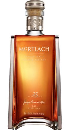 After tasting the new made spirit it's time to start tasting the whole standard Mortlach line-up. The last one is this 25 year old expression. So far I have only tasted expressions bottled by independent bottlers and I have to say that I rather like those Mortlach expressions. So I'm quite curious how the original stuff tastes. #mortlach
