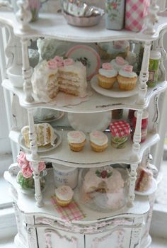 The Summer Bakery ~ I just want to put this in my cabin somewhere....just because I really love this idea!!