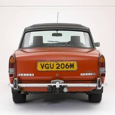 Best classic cars and more! Rover P6, Car Rover, Auto Rover, Classic Cars British, Best Classic Cars, British Car, Morris Minor, Engin, Range Rover Sport