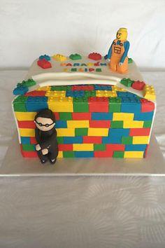 Lulu Cakes: bolo Lego (R$ 400, 3,5 kg) é feito com recheio de brigadeiro cremoso e coberto com ganache e pasta americana (e vem com um boneco da Lego e um boneco Psy)