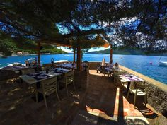 Experience the sea freshness while drinking your morning coffee in the shade, above the sea at the balcony of the fortress. Hotel Forte Rose – Heaven for hedonists…. www.forterose.me Udahnite morsku svježinu dok u borovom hladu, iznad mora na terasi tvrđave ispijate svoju jutarnju kaficu. Hotel Forte Rose, pravo mjesto za uživanje… www.forterose.me #lusticabay #lustica #kotorbay #kotor #hercegnovi #tivat