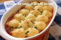 Reteta Garnitura galuste de cartofi in sos picant Good Food, Yummy Food, Romanian Food, Potato Recipes, Casserole Recipes, Macaroni And Cheese, Food To Make, Food And Drink, Potatoes