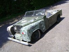 Land Rover he did a lot of work to this. its awesome!Land Rover he did a lot of work to this. its awesome! Rat Rod Cars, Hot Rod Trucks, Cool Trucks, Big Trucks, Cool Cars, Semi Trucks, Land Rover Defender, Coventry, Motorhome
