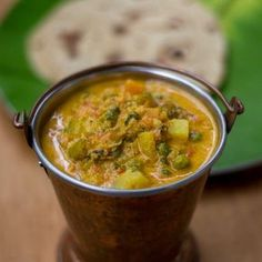 Recipe for Hotel Saravana Bhavan style Parotta Kurma. How to make South Indian Chennai Vegetable kuruma / Chapati guruma.