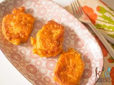 Sweet potato and apple fritters, freezer and kid friendly, lunchbox ready, great for baby led weaning, perfect side for dinner with a gluten free option.