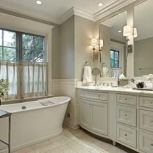 The Domestic CEO reveals 3 tips to get a constantly clean bathroom in less than 3 minutes a day.