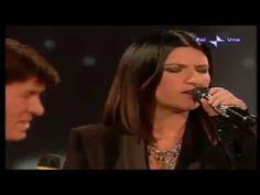 GIANNI MORANDI & LAURA PAUSINI: GRAZIE PERCHE' [LIVE 1999] - YouTube