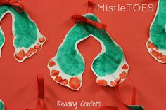 MistleTOES from Reading Confetti -  Oh my, this is the cutest thing ever!!