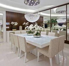 O que dizer disso?!  Apaixonada por essa sala de jantar ❤️❤️❤️ Luxooooo!!!  - #saladejantar #design #decoração #arquitetura #novidades #Instagram #acasaqueeuquero