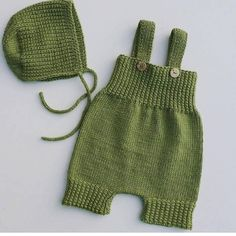 Baby knitting models are not distinguished from machine making easy hobbies check more at h. Baby Knitting Patterns, Baby Hats Knitting, Knitted Hats, Baby Patterns, Free Knitting, Baby Overalls, Baby Pants, Idee Cadeau Baby Shower, Romper Pattern