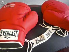 Everlast Boxing Gloves Sports Cakes   Patisserie Tillemont   Montreal #everlast #boxing