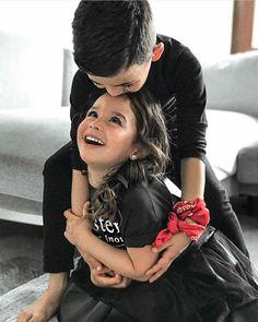 Brother Sister Poses, Cute Kids, Cute Babies, Siblings, Sisters, Instagram, Baby, Names, Baby Humor