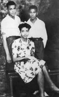 Young James Earl Jones in Whit. is listed (or ranked) 4 on the list 24 Pictures of Young James Earl Jones Black Actors, Black Celebrities, Black Actresses, Pregnant Celebrities, Celebs, Black History Facts, Black History Month, Mocha, Earl Jones