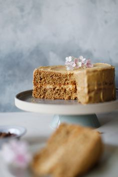Best coffee cake in town - Lucky Pony Best coffee cake in townLucky Pony Coffee Flavored Cake Recipe, Quick Coffee Cake Recipe, Best Banana Bread, Banana Bread Recipes, Cake Recipes, Food Cakes, Cupcake Cakes, Cupcakes, Coffee Icing