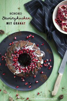 Schoko-Gewürzkuchen mit Granatapfel Food, Pomegranate, Vegetarian Recipes, Bakken, Essen, Meals, Yemek, Eten