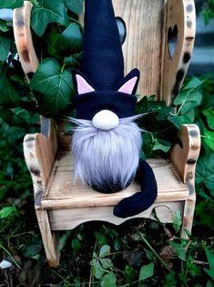 Black Cat Gnome Black Cat Gnomes Halloween Gnome Gnomes | Etsy Adornos Halloween, Cat Decor, Christmas Gnome, Halloween Cat, Cat Gifts, Holiday Crafts, Halloween Decorations, Diy And Crafts, Crafty