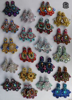 Medium size soutache earrings Bead Jewellery, Diy Jewelry, Handmade Jewelry, Soutache Tutorial, Africa Dress, Soutache Necklace, Earring Trends, Ribbon Embroidery, Ornament Wreath
