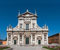 """The Basilica of Santa Maria in Porto, built in the 16th century. Here the Lateran canons moved after leaving the Basilica of Santa Maria in Porto Fuori, considered less secure and more difficult to defend against external raiders. The old church was destroyed in 1944. In Paradise XXI, 121-123, Dante talk about that """"casa di Nostra Donna in sul lito adriano"""" [ #ravenna #myRavenna #dante]"""