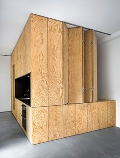 Arquitectura interior - inspiración e ideas Plywood Design, Plywood Projects, Plywood Interior, Wood Architecture, Micro House, Compact Living, Space Saving Furniture, Small Room Bedroom, Kitchen Interior