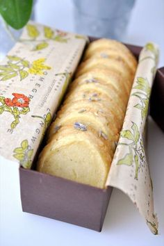 Easy Lemon Lavender Bites Irresistible, palate-pleasing shortbread cookies bursting with aromatic lavender and lemon. Tea Cakes, Lavender Shortbread, Lemon Shortbread Cookies, Lavender Cake, Lavander, Shortbread Recipes, Cookie Recipes, Dessert Recipes, Lavender Recipes