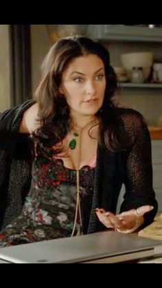 Aunt Wendy the Cat Dark Fashion, Fashion Looks, Madchen Amick, Witches Of East End, Gypsy Style, My Style, Witch Outfit, Alice Cooper, Stevie Nicks
