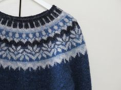 Ravelry: Project Gallery for Afmæli - Anniversary Sweater pattern by . Knitting Yarn, Free Knitting, Norwegian Knitting, Icelandic Sweaters, Fair Isle Knitting Patterns, Cardigan Pattern, Knit Leg Warmers, Cool Sweaters, Knitted Hats