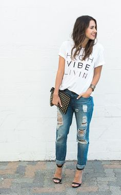 You can never go wrong with a graphic tee, boyfriend jeans, fun accessories  and a bright lip! d0df4b2974