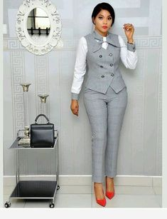Office Wear Ideas For Ladies - corporate attire women Office Outfits For Ladies, Classy Work Outfits, Business Casual Outfits, Business Attire, Business Chic, Fashionable Outfits, Work Fashion, Fashion Outfits, Fashion Styles
