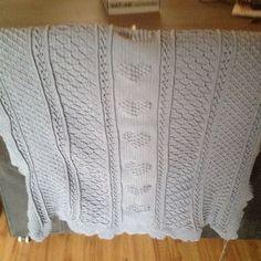 Ledikant deken Sweaters, Fashion, Moda, Fashion Styles, Fasion, Sweater, Sweatshirts