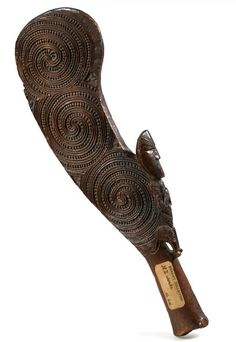 Antique Maori Wahaika and Maori Kotiate are both excellent and extremely collectible examples of Maori Art. There are however contemporary versions of this form of Polynesian art. Abstract Sculpture, Bronze Sculpture, Wood Sculpture, Sculpture Ideas, Polynesian People, Polynesian Art, Maori Tribe, Statues, Maori Designs