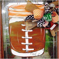 Football Season Tennessee VOLS SEC Mason Jar by HillbillyHandcrafted on Etsy… Football Door Hangers, Fall Door Hangers, Burlap Door Hangers, Wooden Hangers, Mason Jar Projects, Mason Jar Crafts, Mason Jars, Glass Jars, Mason Jar Hanger