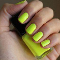neon yellow mani.
