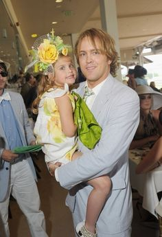 Dannielynn Birkhead, daughter of the late Anna Nicole Smith, is now 5 years old, and looks exactly like her mother. Here she is looking pretty darn cute this past weekend at the Kentucky Derby. Famous Celebrities, Beautiful Celebrities, Celebs, Dannielynn Birkhead, Spitting Image, Anna Nicole Smith, Kentucky Derby Hats, Louisville Kentucky, Celebrity Babies