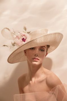 SS19 | Philip Treacy London Fancy Hats, Cool Hats, Fashion Photography Inspiration, Portrait Inspiration, Muslim Wedding Gown, British Hats, Philip Treacy Hats, Freckles Makeup, Fascinator Hats