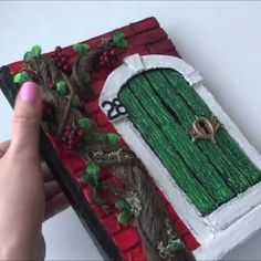 DIY project to try when in quarantine😊 Credits: Diy Crafts For Gifts, Easy Diy Crafts, Diy Arts And Crafts, Diy Crafts Videos, Fun Crafts, Paper Crafts, Diy Videos, Machine Embroidery Projects, Hand Embroidery Patterns