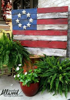 Pallet Flag, Best 4th of July Decor Ideas via A Blissful Nest