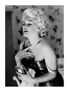 Marilyn Monroe, Chanel No. 5 Poster