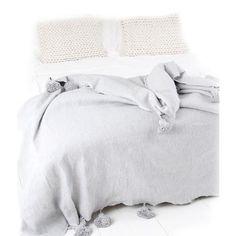 Mooi grijs pompom kleed! Bedroom, Interior, Furniture, Design, Home Decor, Atelier, Decoration Home, Indoor, Room Decor