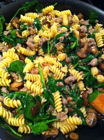 Katie Cooks Dinner: SKILLET PASTA WITH SAUSAGE AND SPINACH--pretty good; omit mushrooms